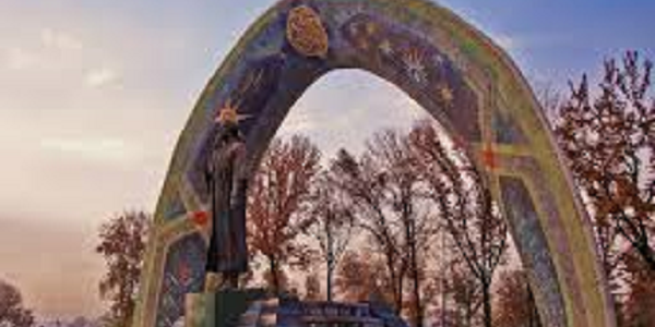 Rudaki statue Dushanbe
