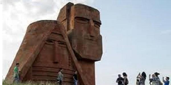 monumento in Karabakh