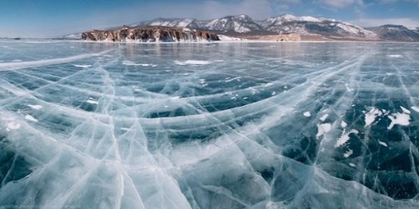 Lago Bajkal ghiaccio