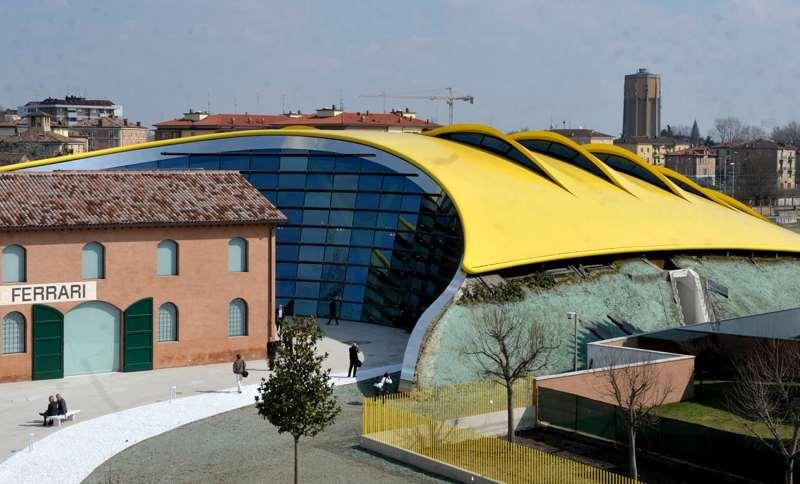 museo_casa_enzo_ferrari_esterno_camper