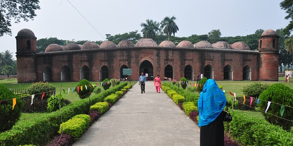 Bangladesh Sixty-Dome-Mosque-in-Bagerhat