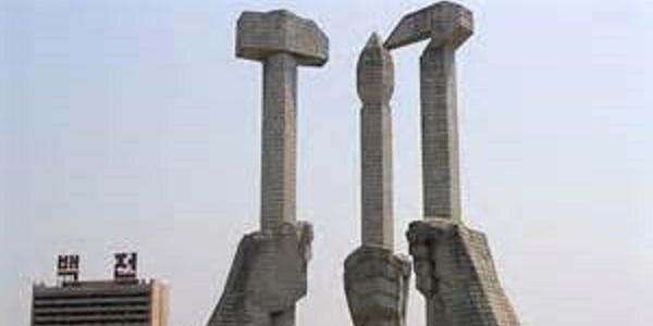 Corea del Nord Pyongyang-Workers-monument