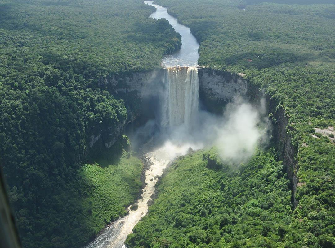 Guyana Kaiteur cascate