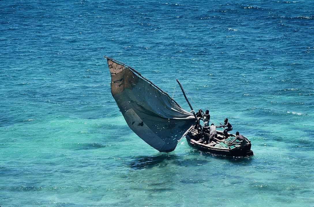 Mozambco -_traditional_sailboat